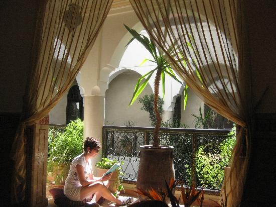 Riad Bamaga Hotel: Patio