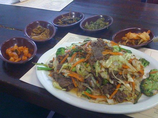 KalBee Restaurant: Bul-gho-gee stir fry w/ kimchee
