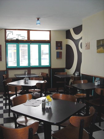 Happy Belly Deli : The dining room