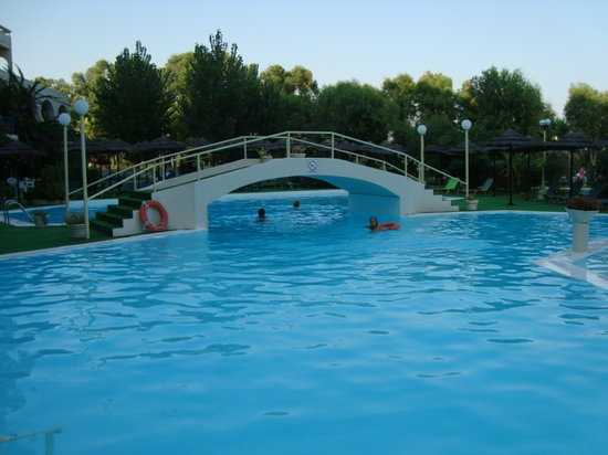Olympos Beach Resort: piscina