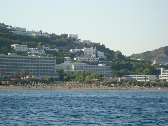 Olympos Beach Resort : vista dell'hotel dal mare