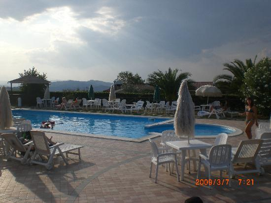 I Calanchi Country Hotel & Restaurant: piscina