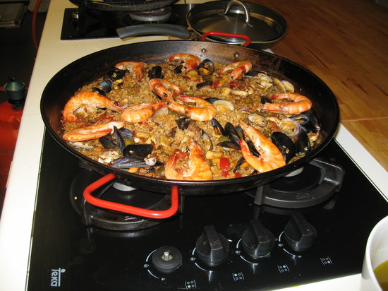 Cook and Taste Barcelona Cooking Classes: Our paella