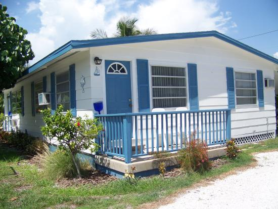 Tropical Winds Motel & Cottages: Too cute!