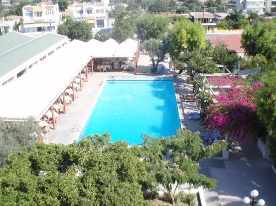 Filerimos Village Hotel: Front pool