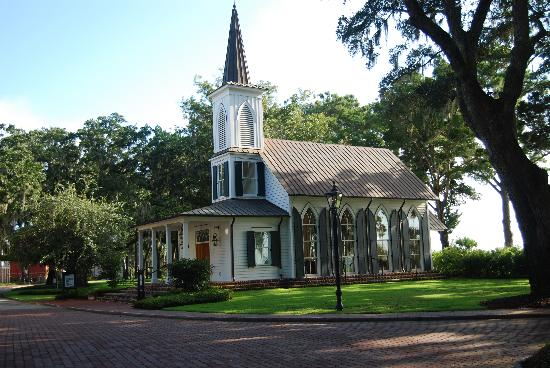 Bluffton, Carolina Selatan: The village church