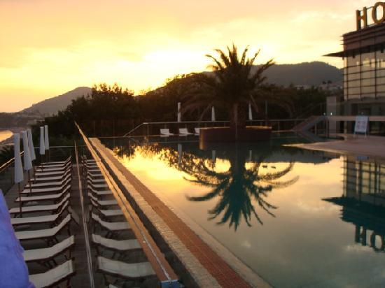 Queen of Montenegro: foto piscina
