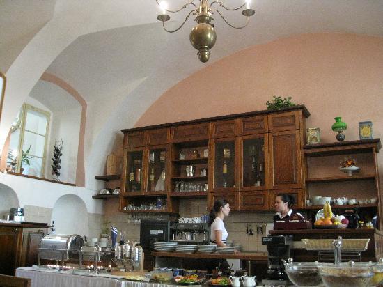 Hotel Golden Deer: Breakfast room