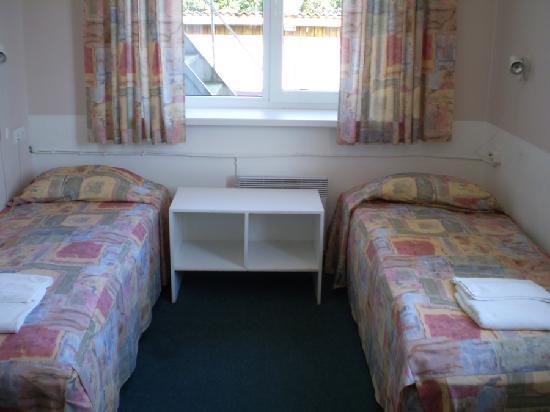 Haapsalu, beds in twin room of Endla Hostel