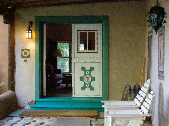 Mabel Dodge Luhan House : welcoming entrance