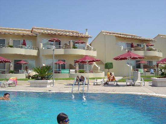 Verde al Mare Hotel: A busy day at the Pool