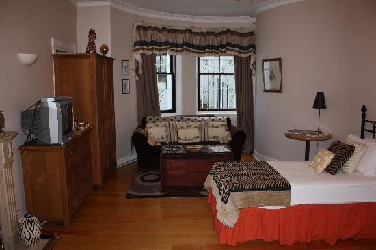 The Victorian Town House: our room