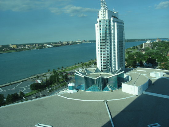 Caesars Windsor: 1/2 River view