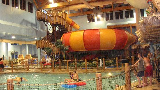 Canad Inns Destination Center Grand Forks: Turbo Turbine - fantastic water slide