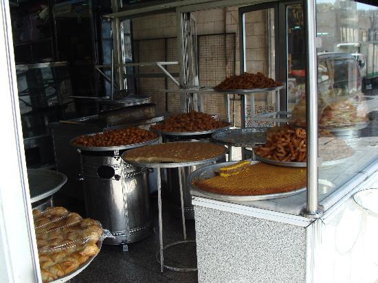 Gardenia Hotel : Amman (Jordan) - Typical Middle Eastern Sweets shop
