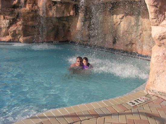 Purple Parrot Village Resort: Pool