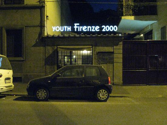 Youth Hostel Firenze 2000: The entrance only at night
