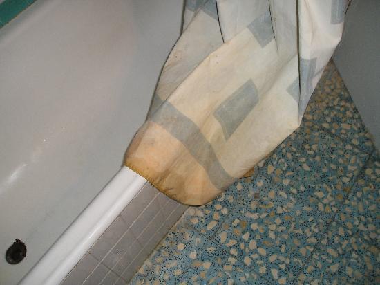 Alcazar Hotel: cortina sucia