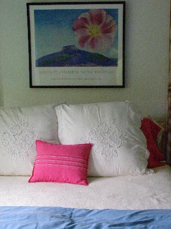 AdobeStar Inn: Georgia O'Keefe room