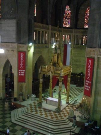 Dentro de la Basílica de Manizales