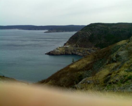 เซนต์จอห์นส์, แคนาดา: Coast of St. John's NL on a very windy day, taken from the lookout on Signal Hill.