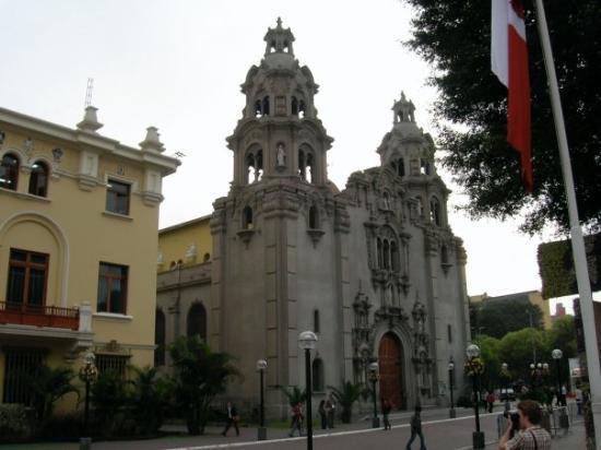 มิราฟลอเรส: Peru Lima