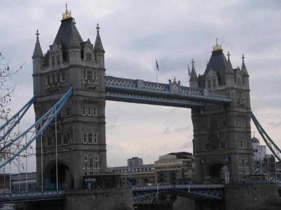 london bridge is falling down picture of tower bridge