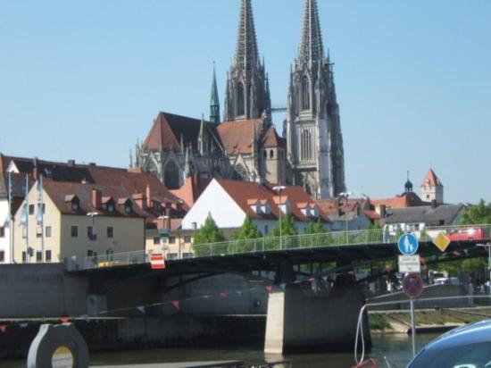 เรเกนสบูร์ก, เยอรมนี: Regensburg Germany, home town of the Pope