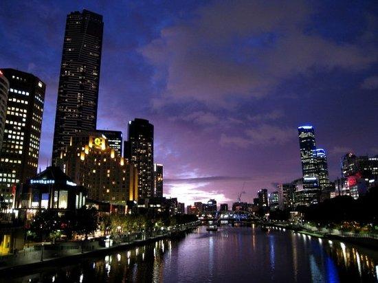 เมลเบิร์น, ออสเตรเลีย: 夜景, 真係唔錯啊, 好舒服
