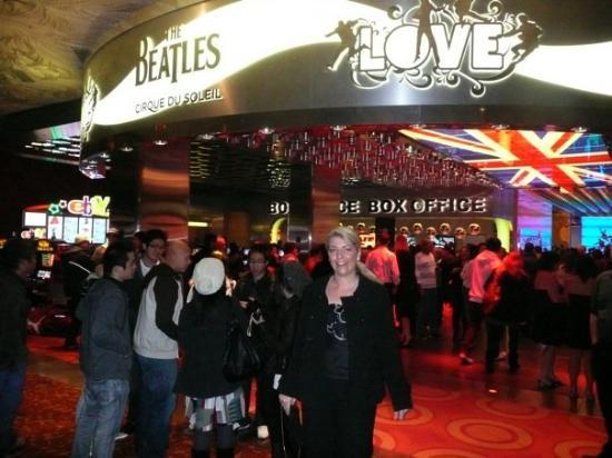 The Beatles - Love - Cirque du Soleil: LOVE The BEatles Show @ The Mirage