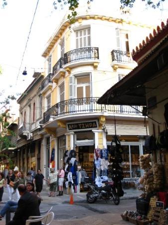 พลาคา: In the Plaka neighborhood of Athens.
