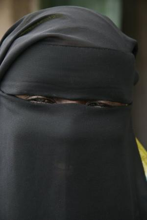 Lamu Island, เคนยา: The smile. This is all you can see of some muslim girl's faces in Lamu, Kenya.  Photo/copyright