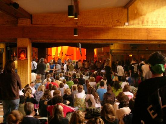 Taize, ฝรั่งเศส: In church