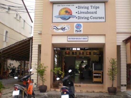 ตะกั่วป่า, ไทย: PADI Diving School (Khao Lak)