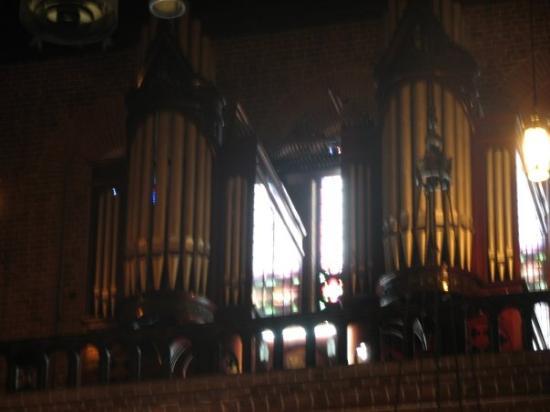 Metropolitan Cathedral Basilica: Organo de 3,478 Flautas. el 2do más grande del mundo