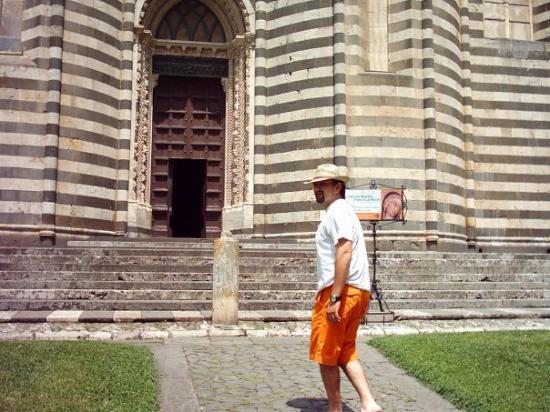 Davanti al Duomo di Orvieto