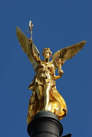 ‪Angel of Peace (Friedensengel)‬