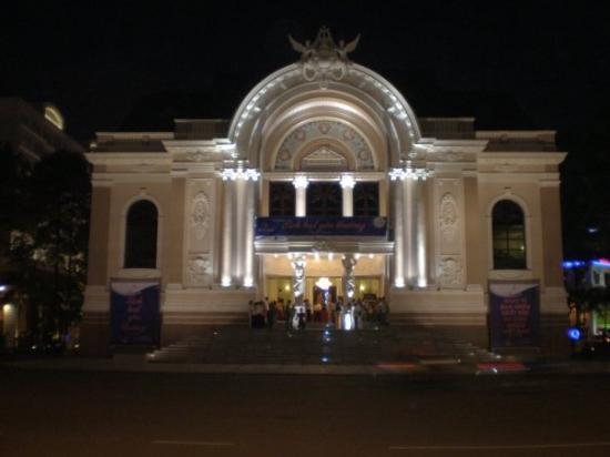 Saigon Opera House (Ho Chi Minh Municipal Theater): Opera House at night