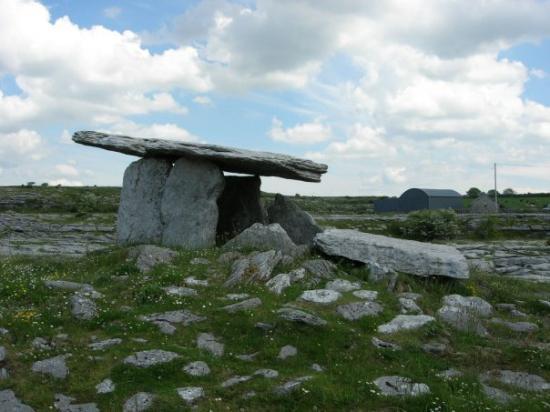 บลาร์นีย์, ไอร์แลนด์: Poulnabrone Dolmen