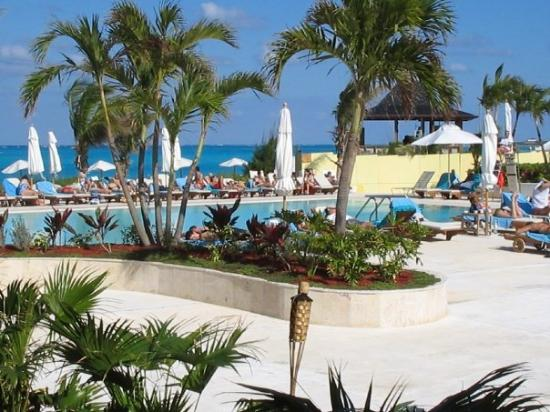 Club Med Columbus Isle: The pool
