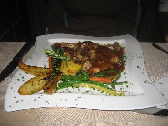 Saint Charles, Ιλινόις: Pheasant for dinner at the Autumn Restaurant