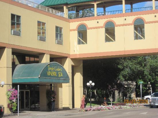 Tunnels of Moose Jaw : Temple Gardens Resort & Spa