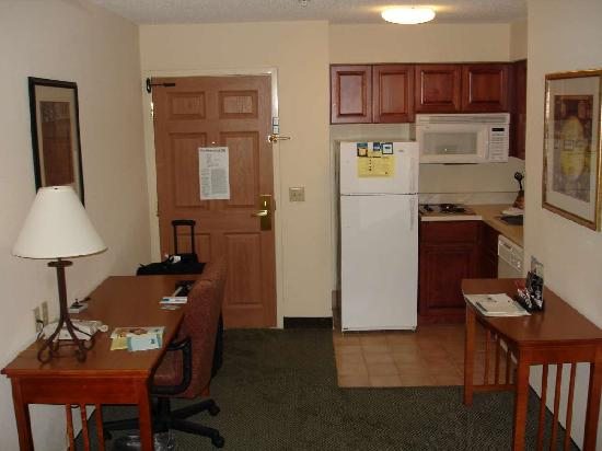 Staybridge Suites Raleigh-Durham Apt-Morrisville: Aug 2009 - Kitchen