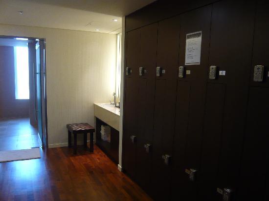 Lotte City Hotel Mapo: ジム用ロッカー