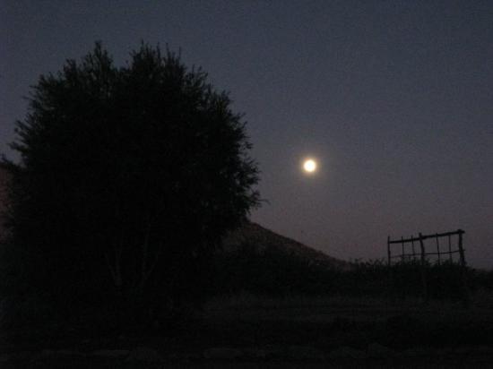 สวากอปมุนด์, นามิเบีย: the full moon