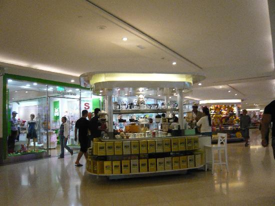 Deira City Center Shopping Mall : 店内の雰囲気