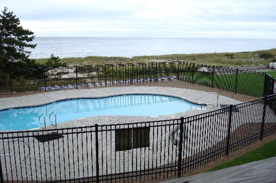 Surf and Sand Beach Motel: Pool at Surf and Sand, South Yarmouth