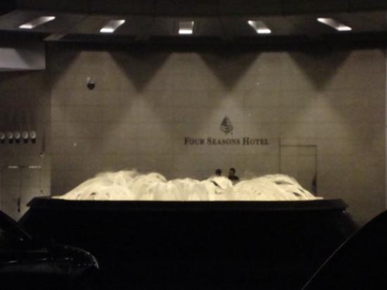 โรงแรมโฟร์ ซีซั่น: FS Hong Kong