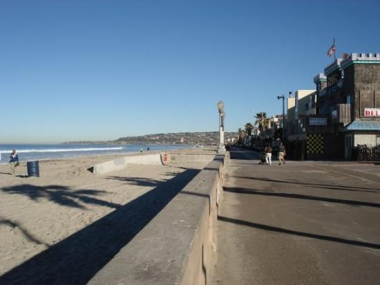 Mission Beach: Missoin Beach walk
