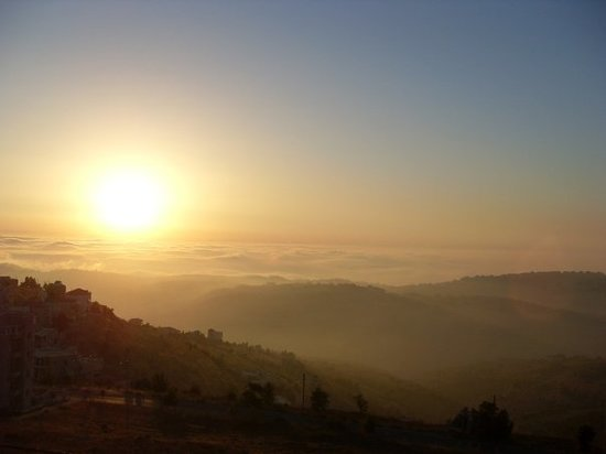 Beiroet, Libanon: Lebanon Sunset Over Beirut as seen from Bhamdoun
